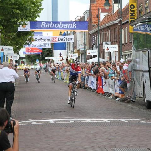 Niki Terpstra wint de rit-in-lijn